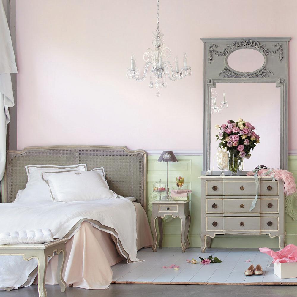 Красивый текстиль в спальне в стиле прованс
