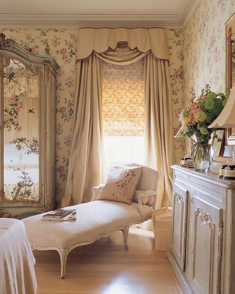 Комбинирование штор в спальне в стиле прованс