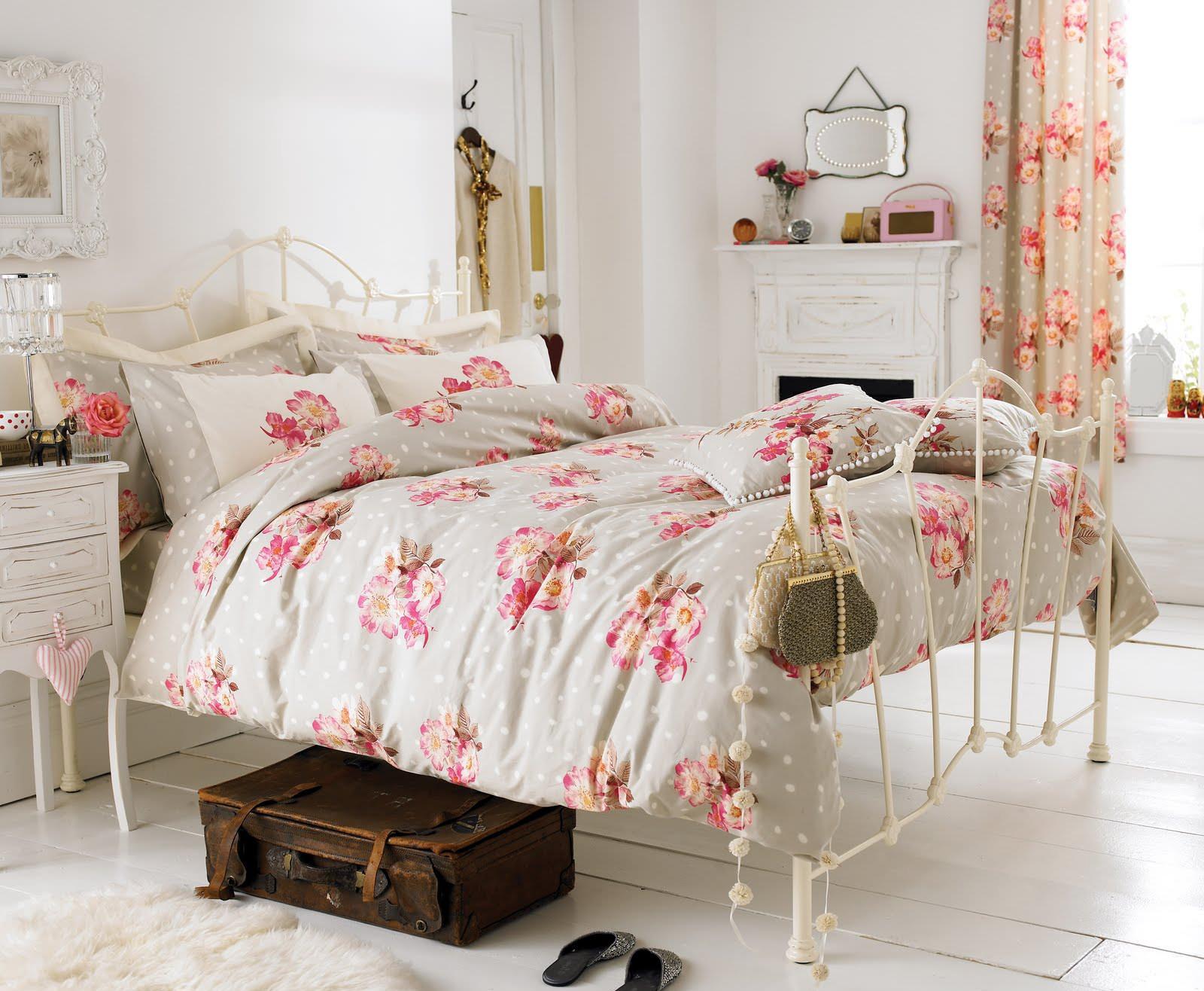 Красивая спальня в стиле шебби-шик