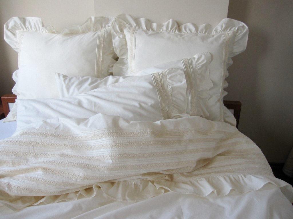 Красивое постельное белье в стиле шебби-шик