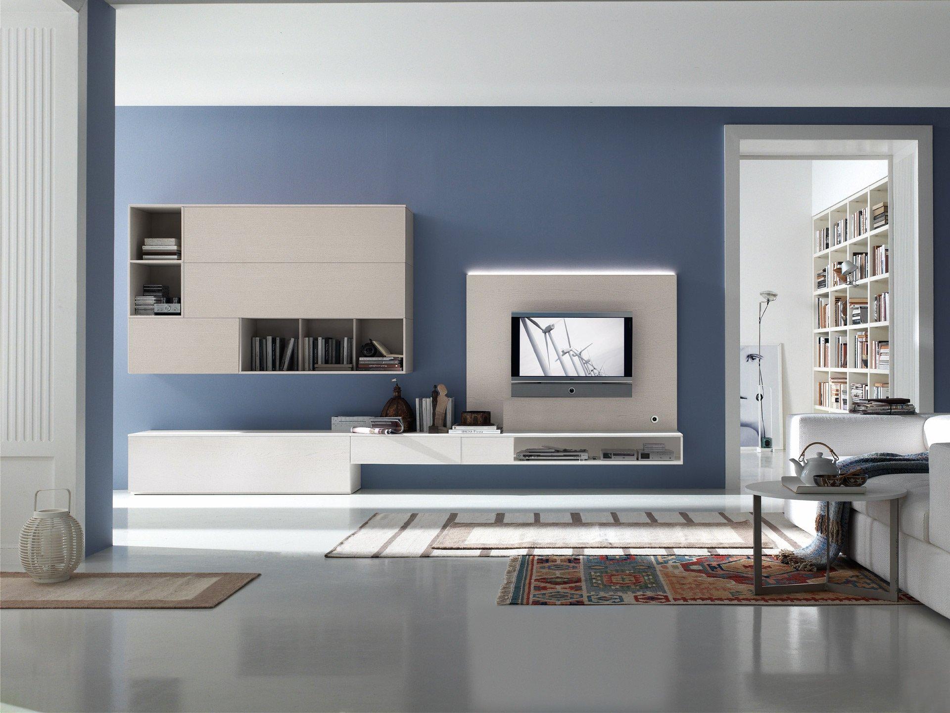 Бело-кремовая современная стенка в гостиной