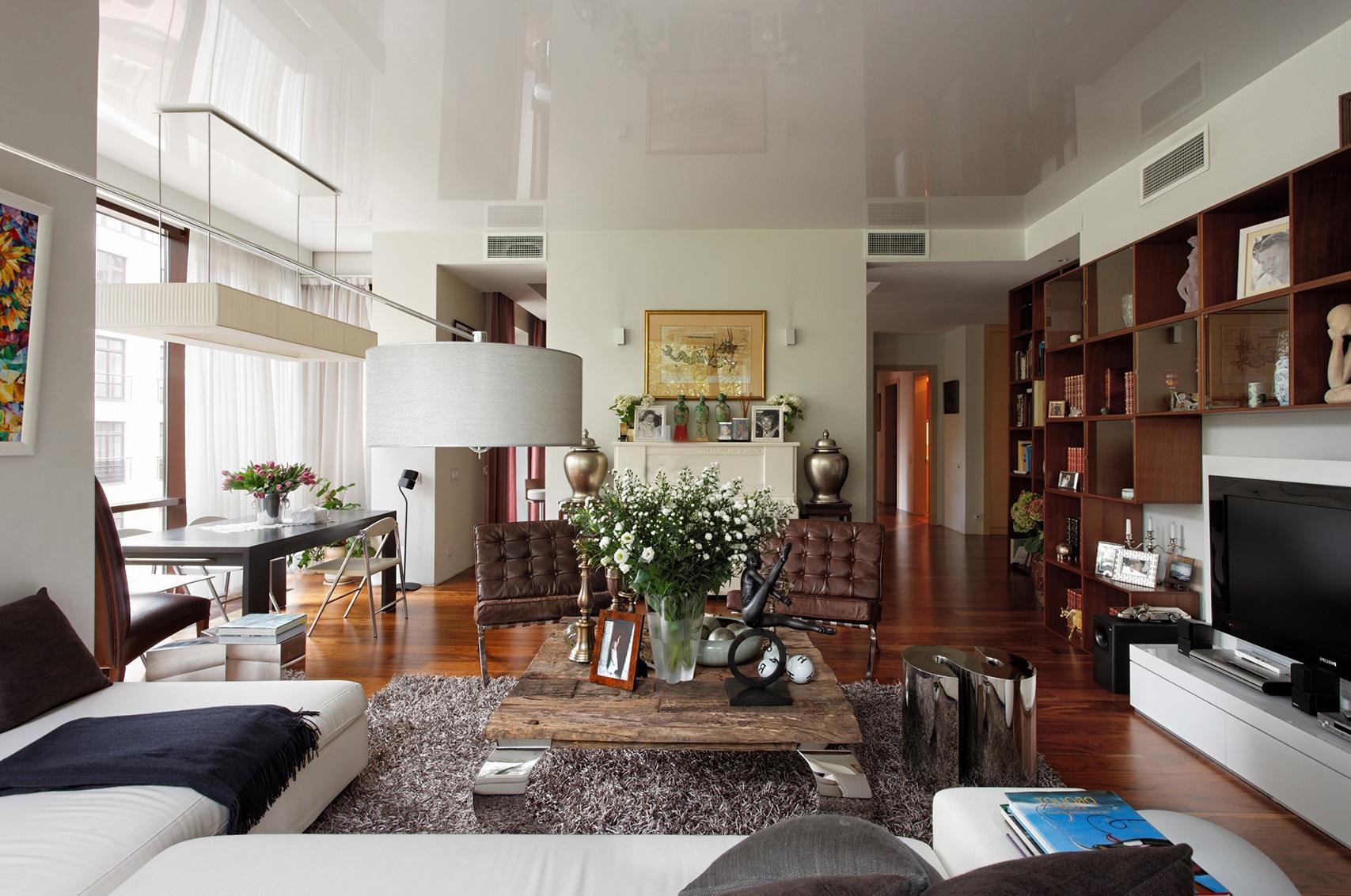 Совмещенная гостиная и столовая в стиле фьюжн