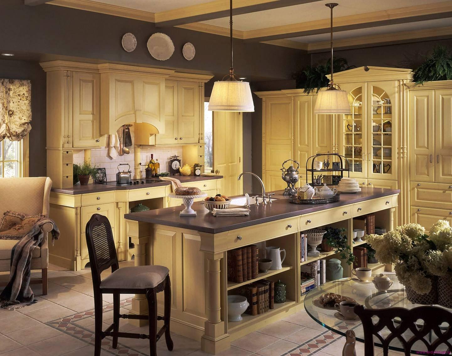 Кухня с островом в стиле кантри