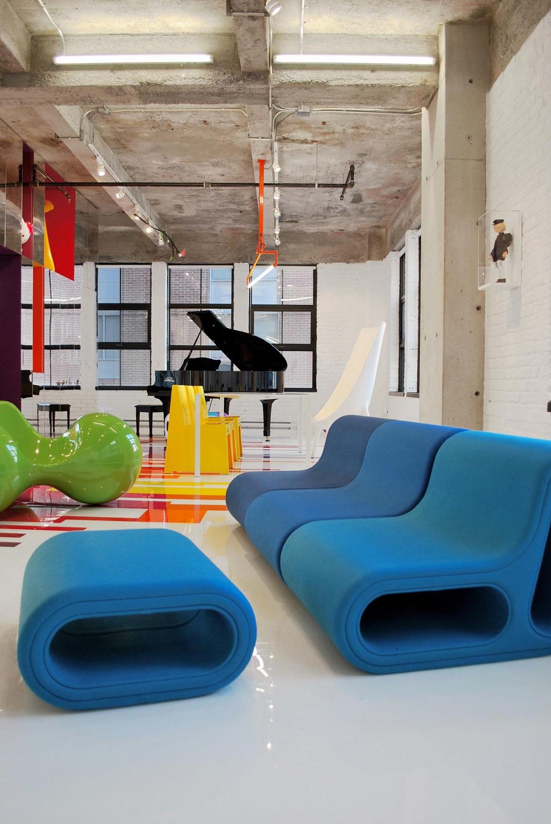 Дизайнерская креативная мебель в гостиной в стиле китч
