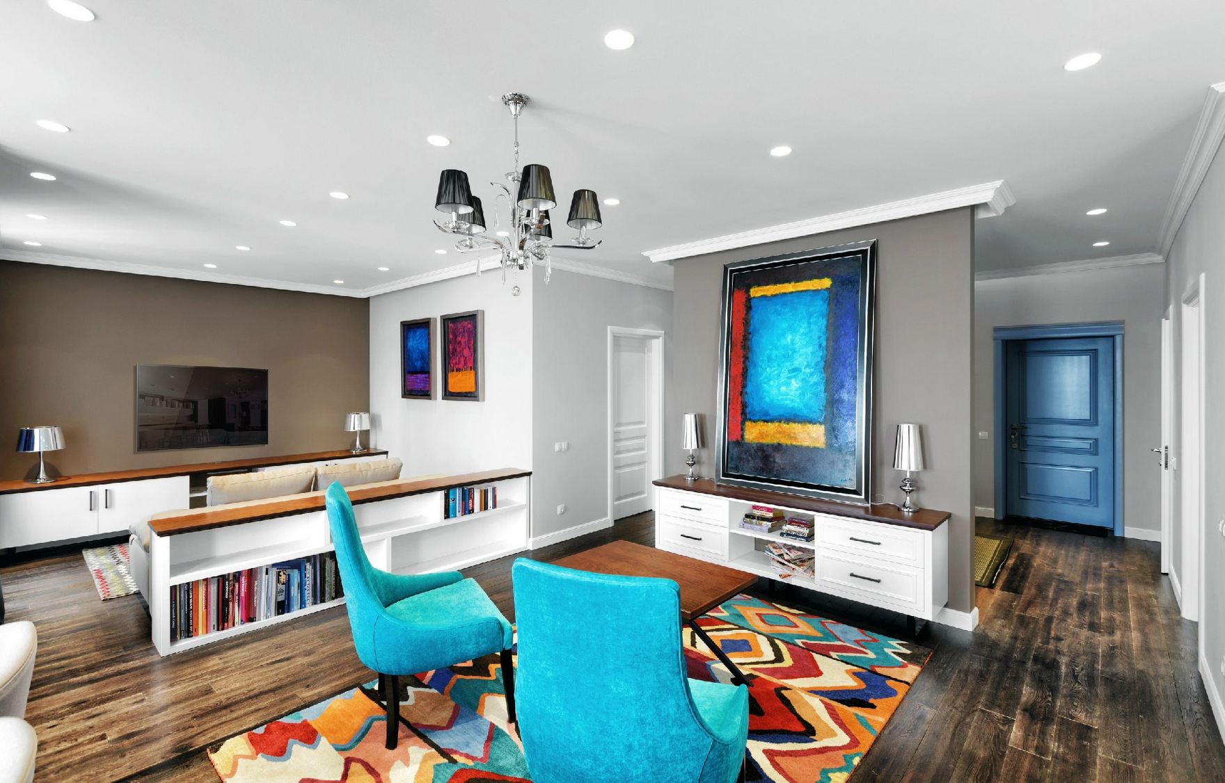 Смешение стилей и цветов в гостиной