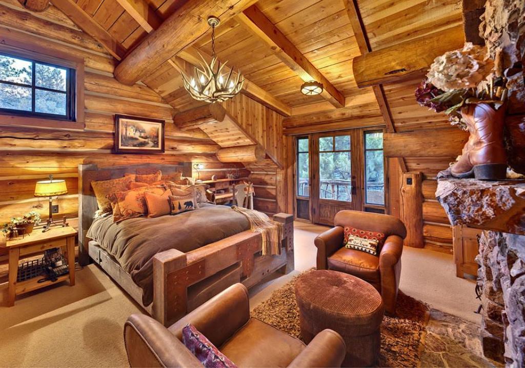 Роскошная спальня в стиле рустик