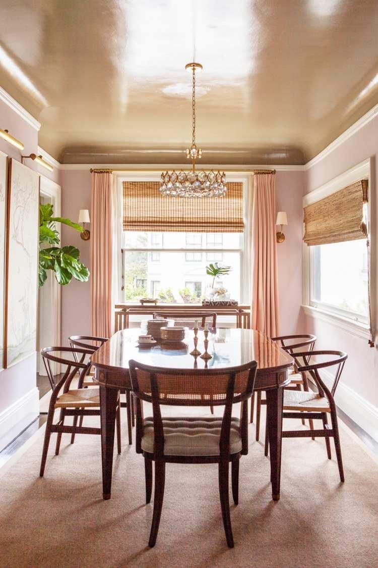 Персиковый цвет в интерьере столовой