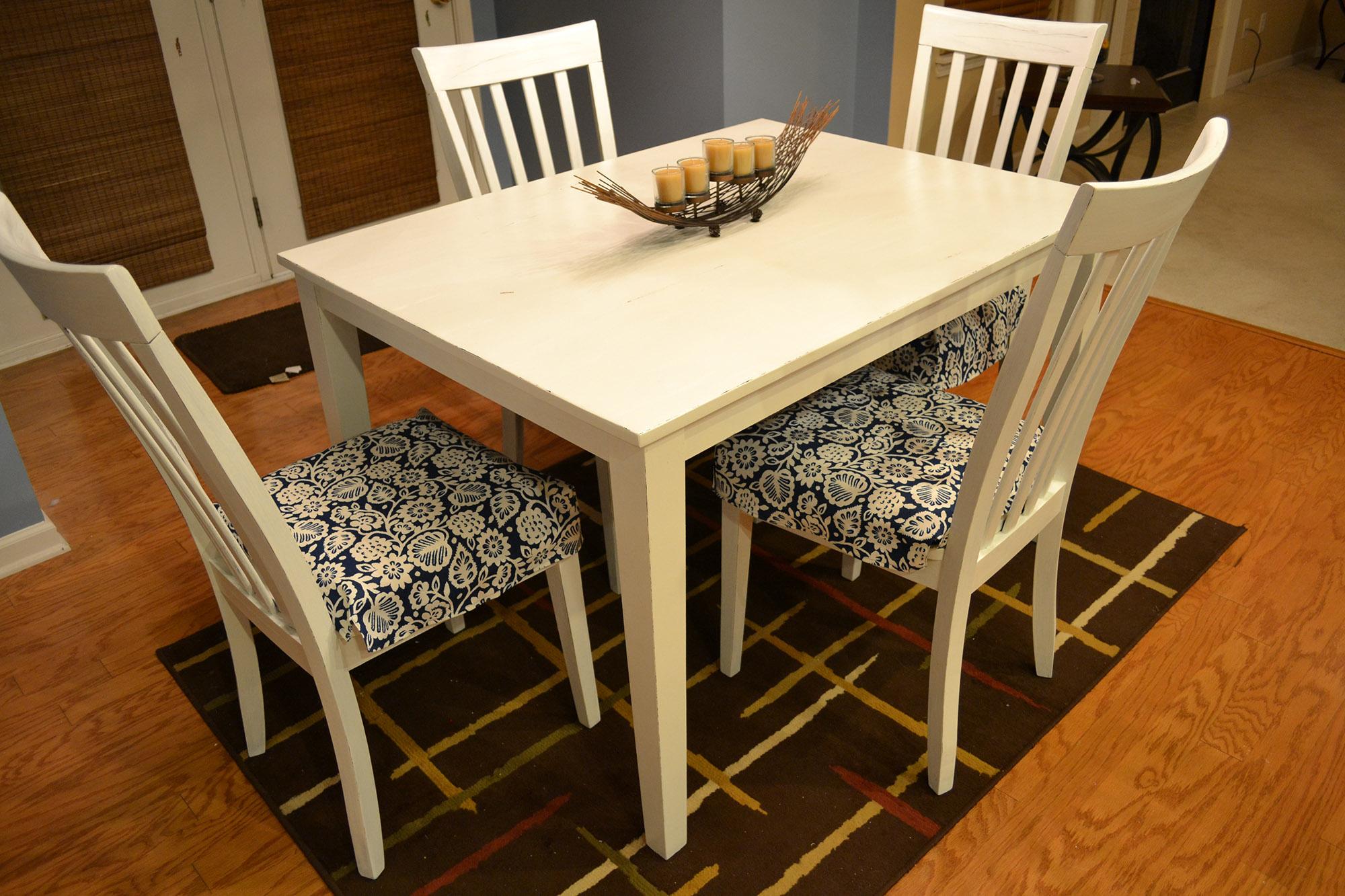 Деревянные стулья для кухни в деревенском стиле