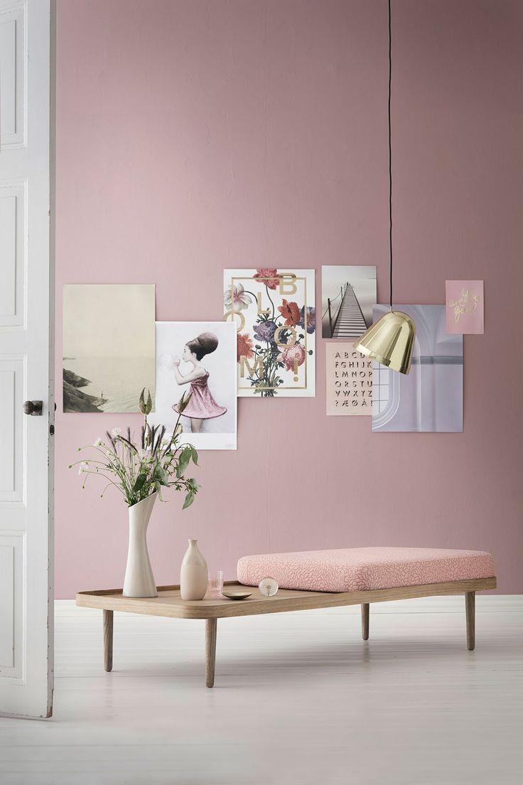 Светло розовый интерьер