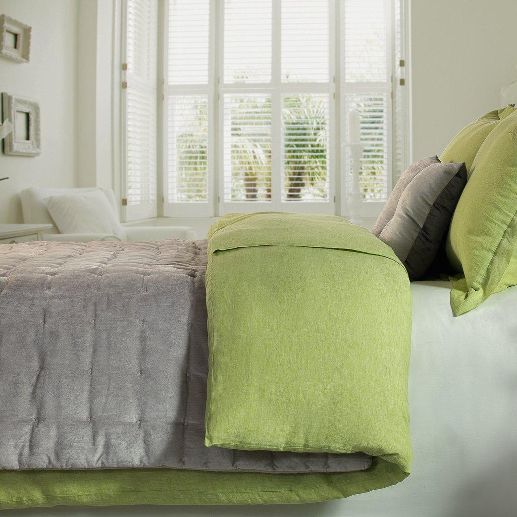 Оливковый текстиль в интерьере