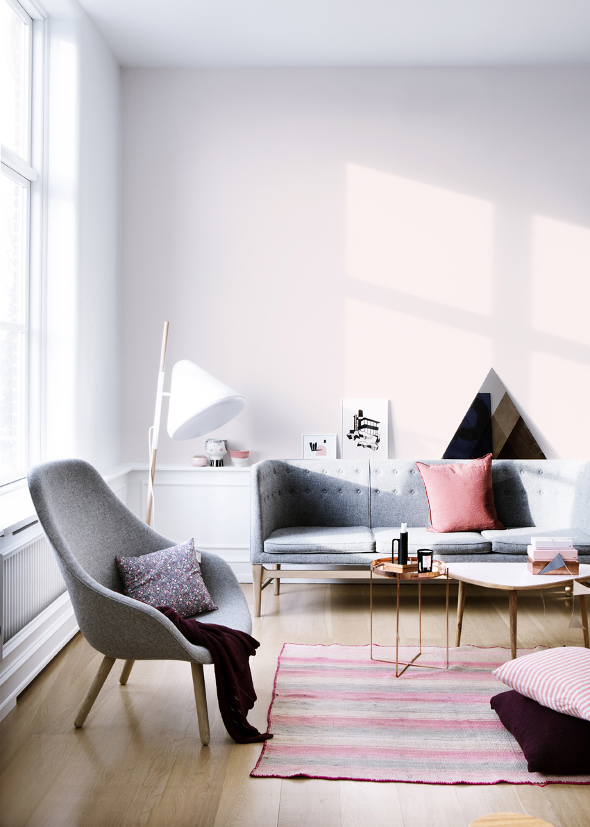 Розовый текстиль в интерьере