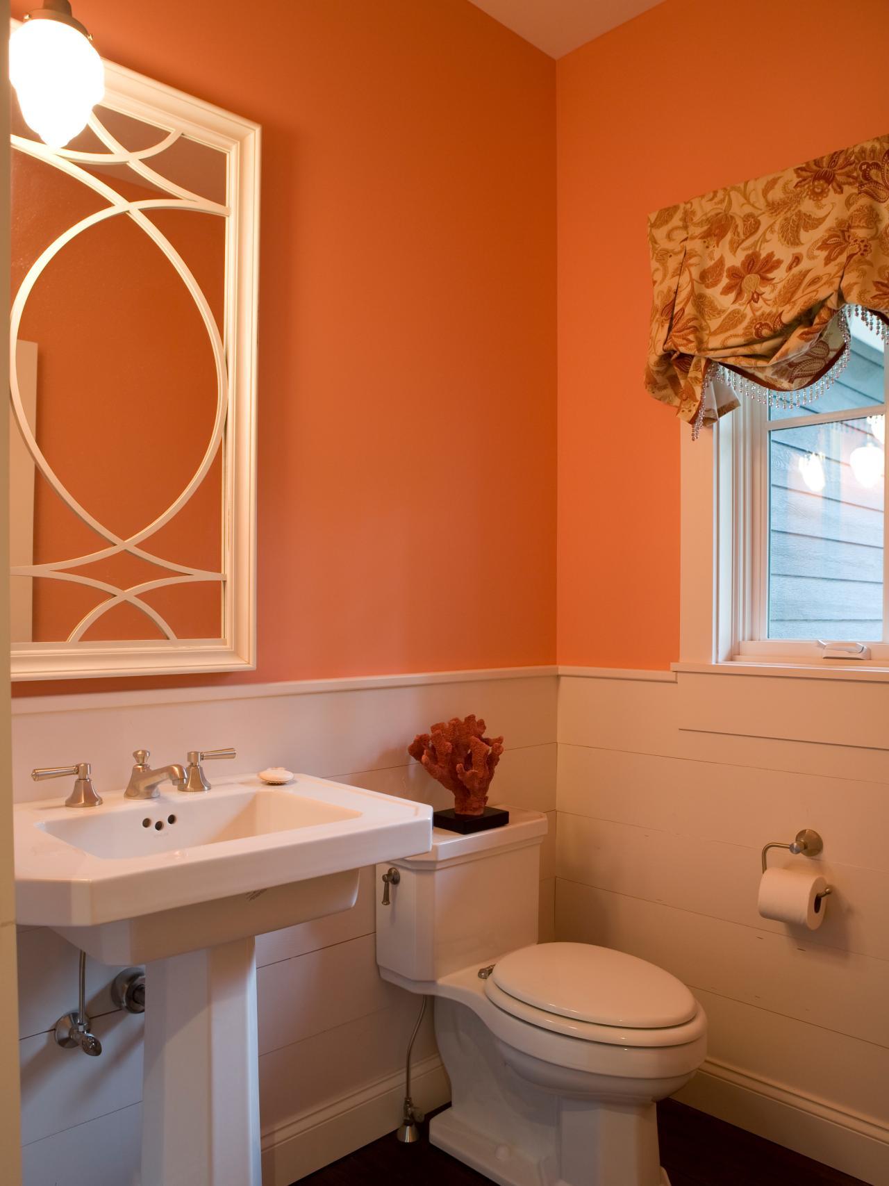 Персиковый цвет в интерьере туалета
