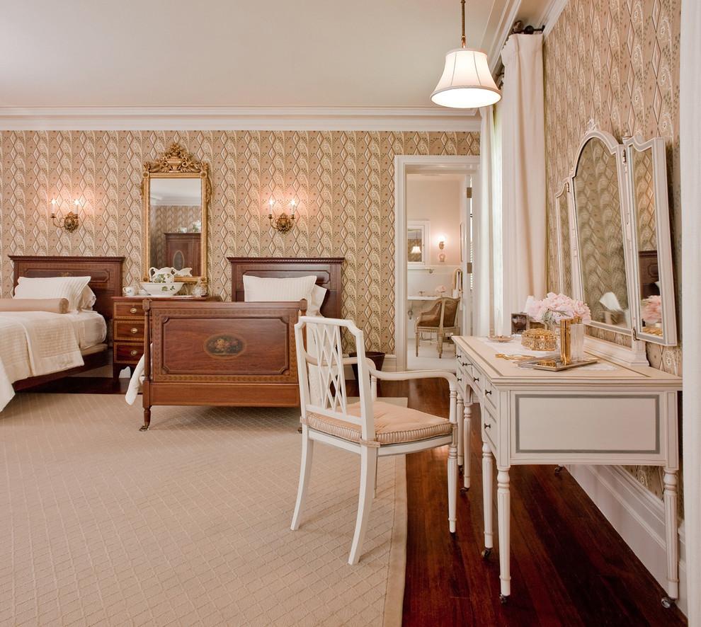 Туалетный столик в классической спальне