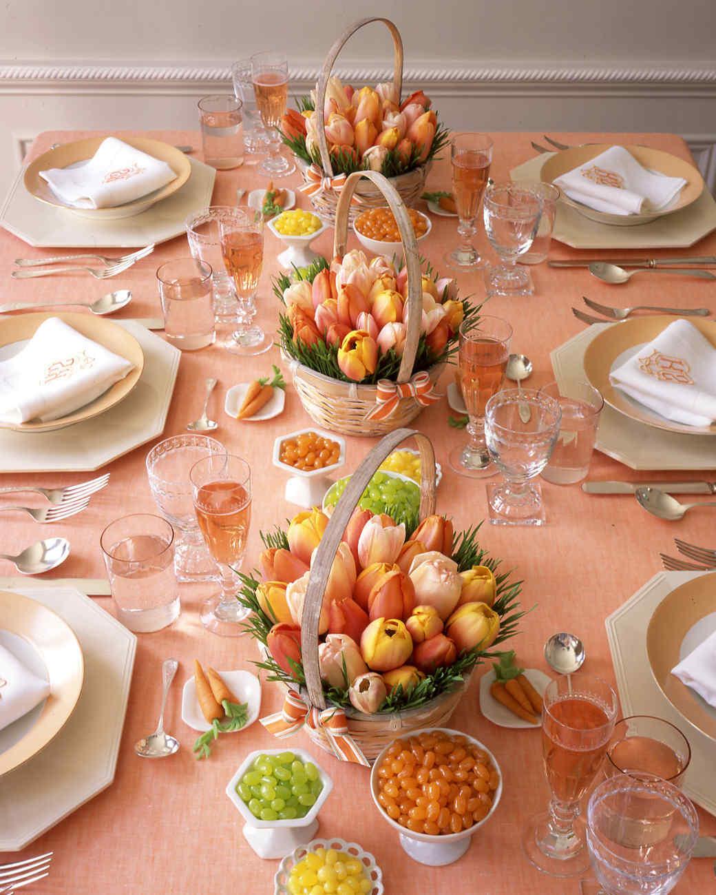 Сервировка стола тюльпанами