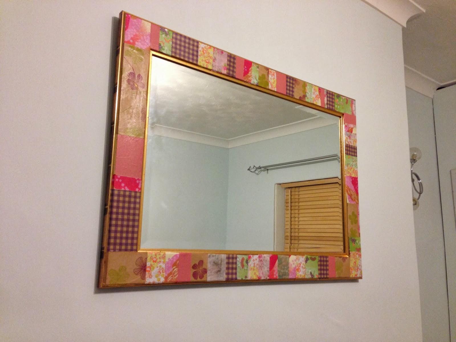 Декупаж зеркала в ванной