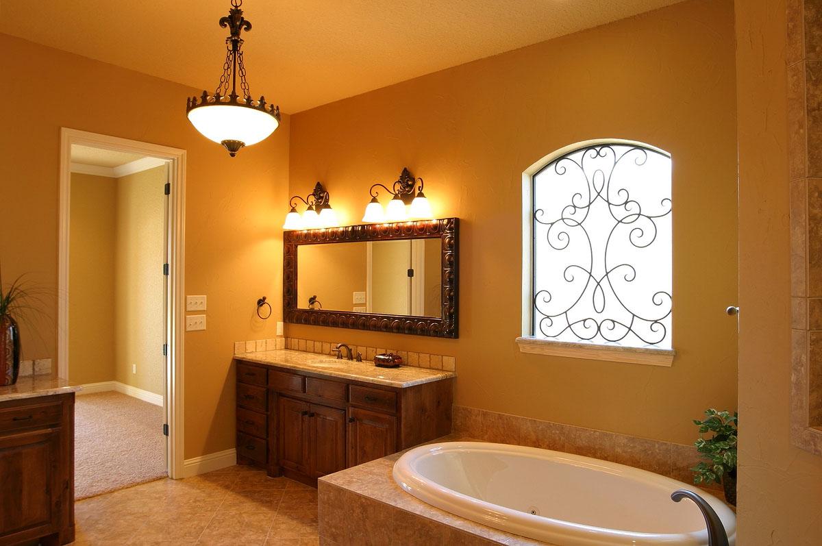 Мягкое освещение в ванной комнате