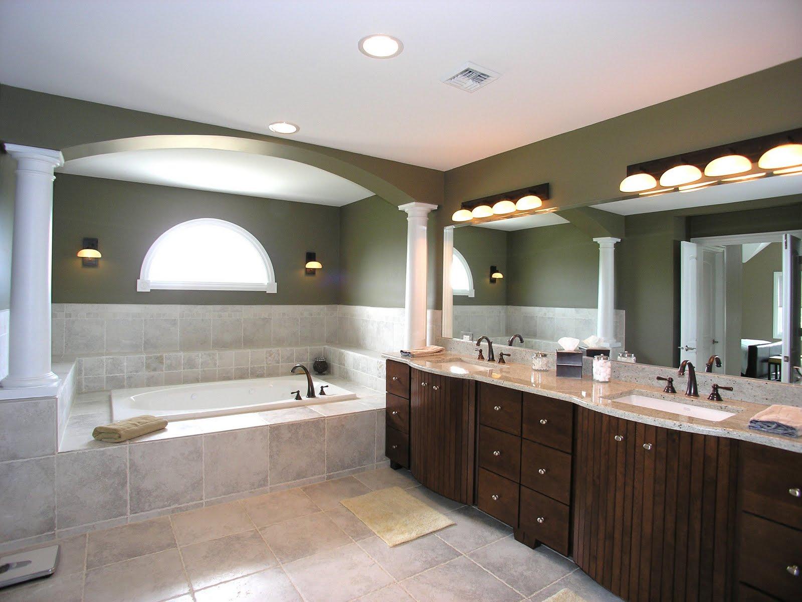 Красивое теплое освещение в ванной комнате