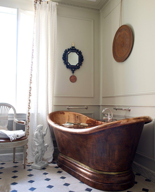 Металлическая ванная в санузле в стиле прованс