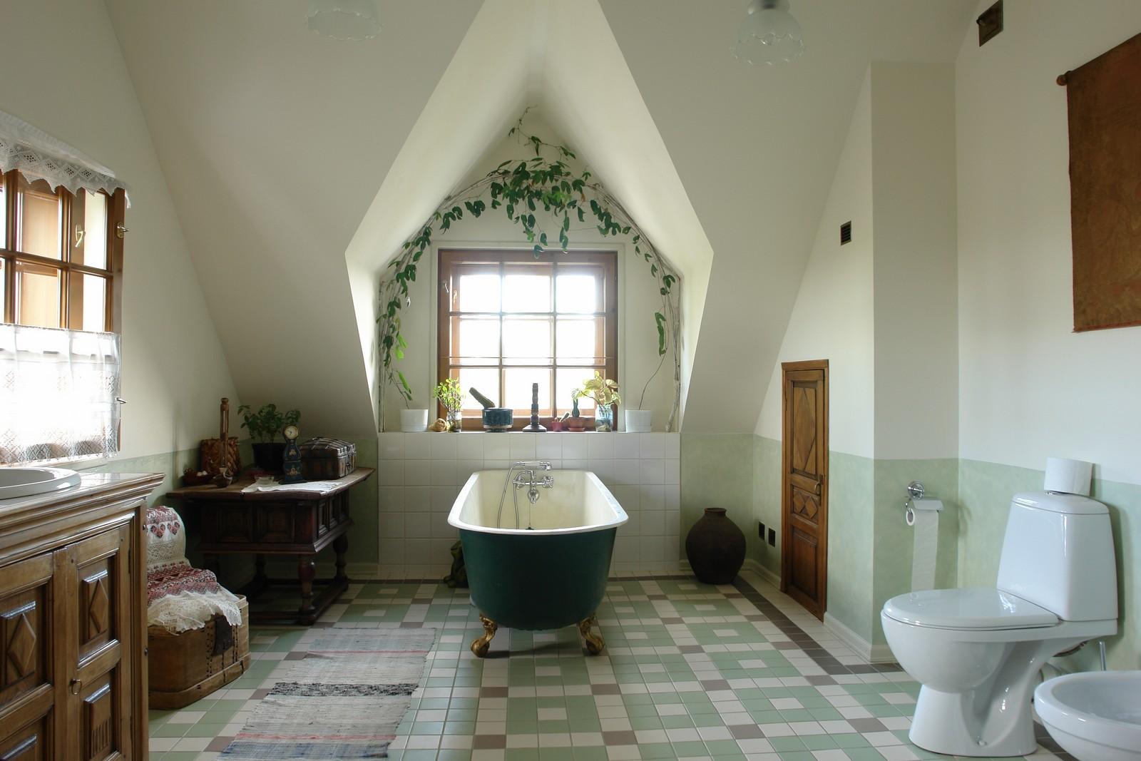 Большая красивая ванная комната в стиле прованс