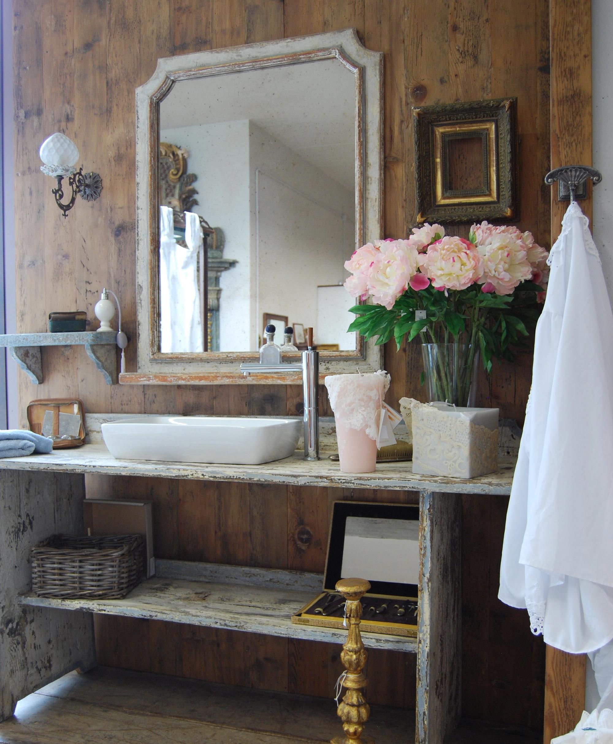 Красивый декор ванной в стиле прованс