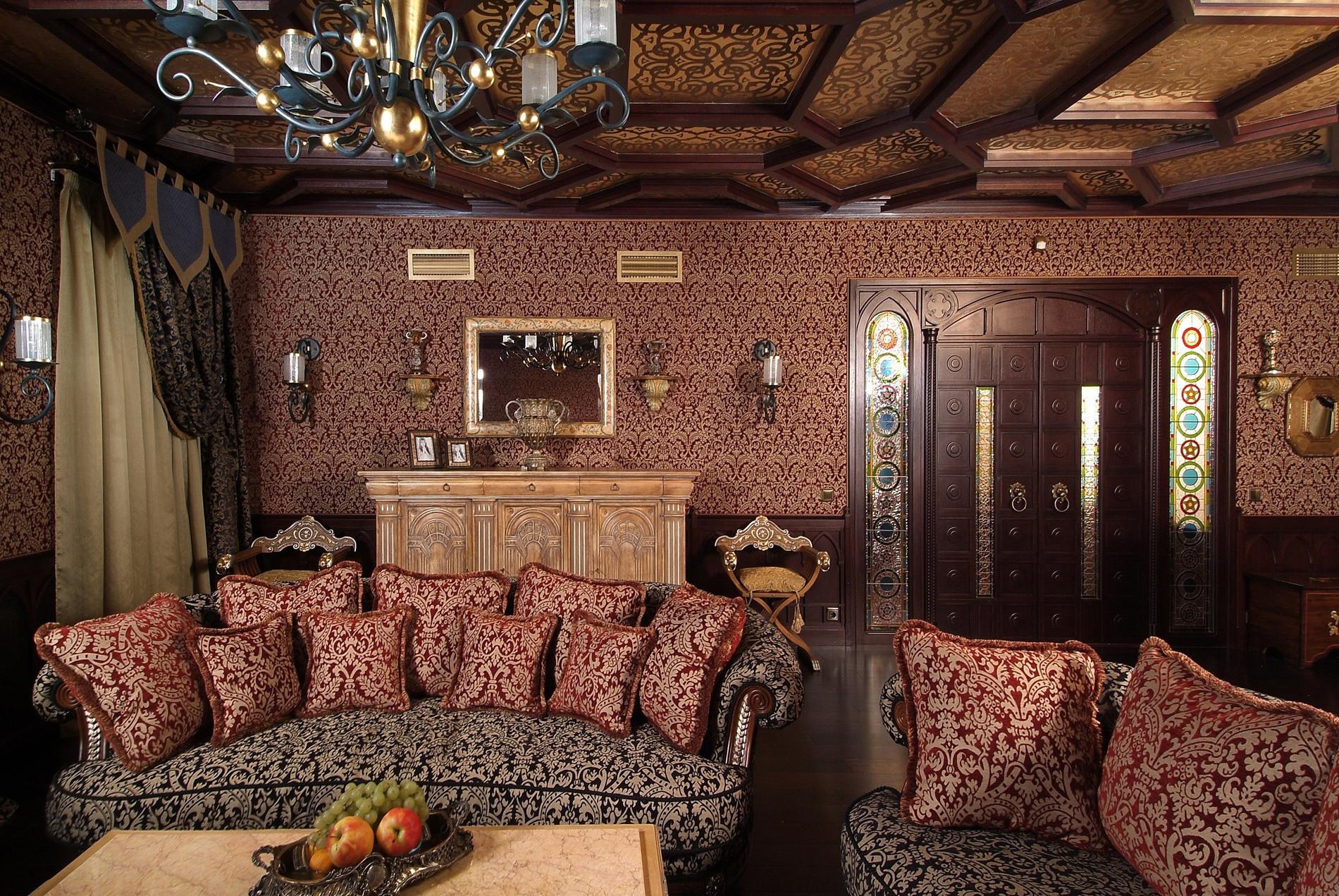 Контрастный потолок в восточной гостиной