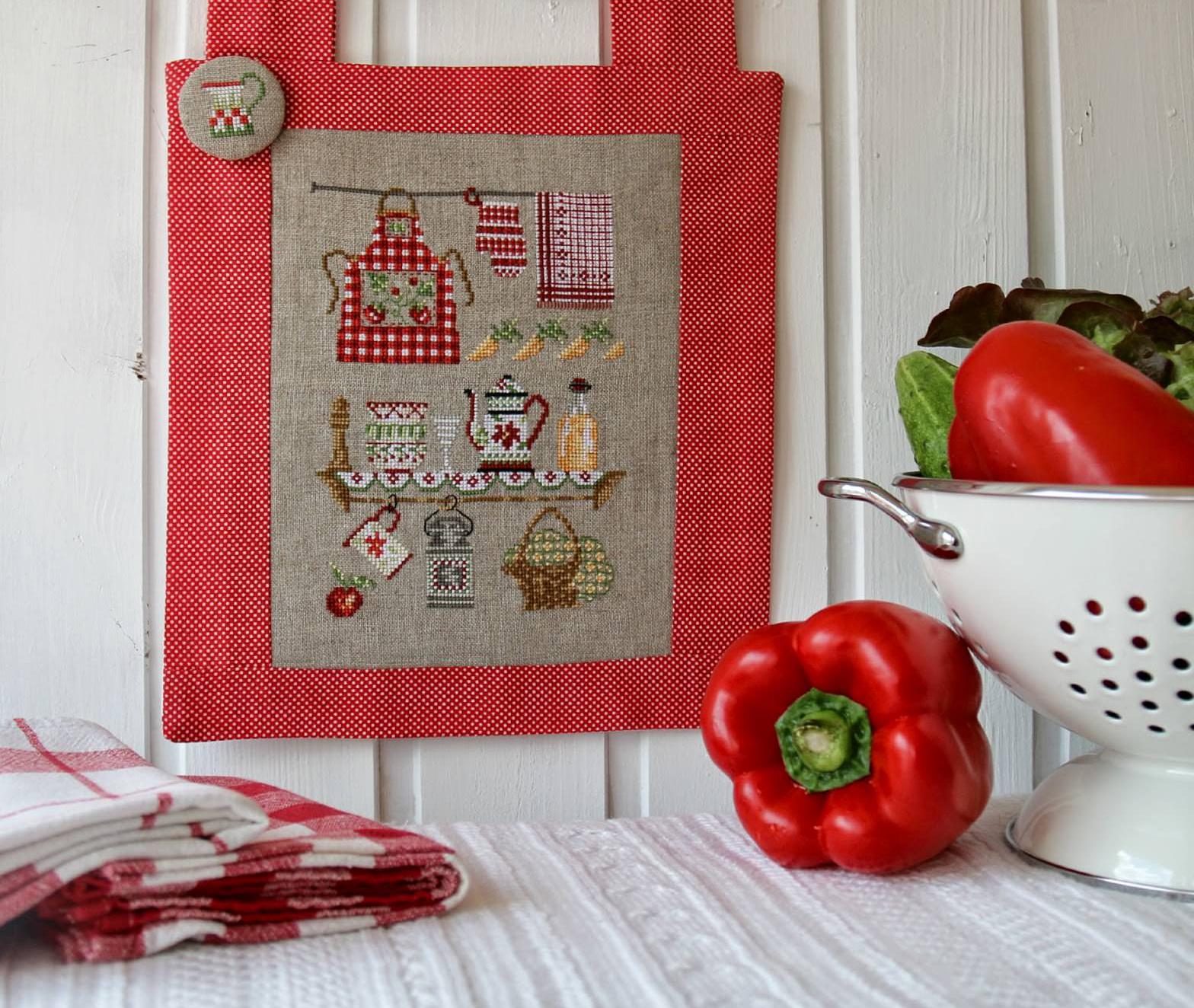 Красивая вышивка на кухне