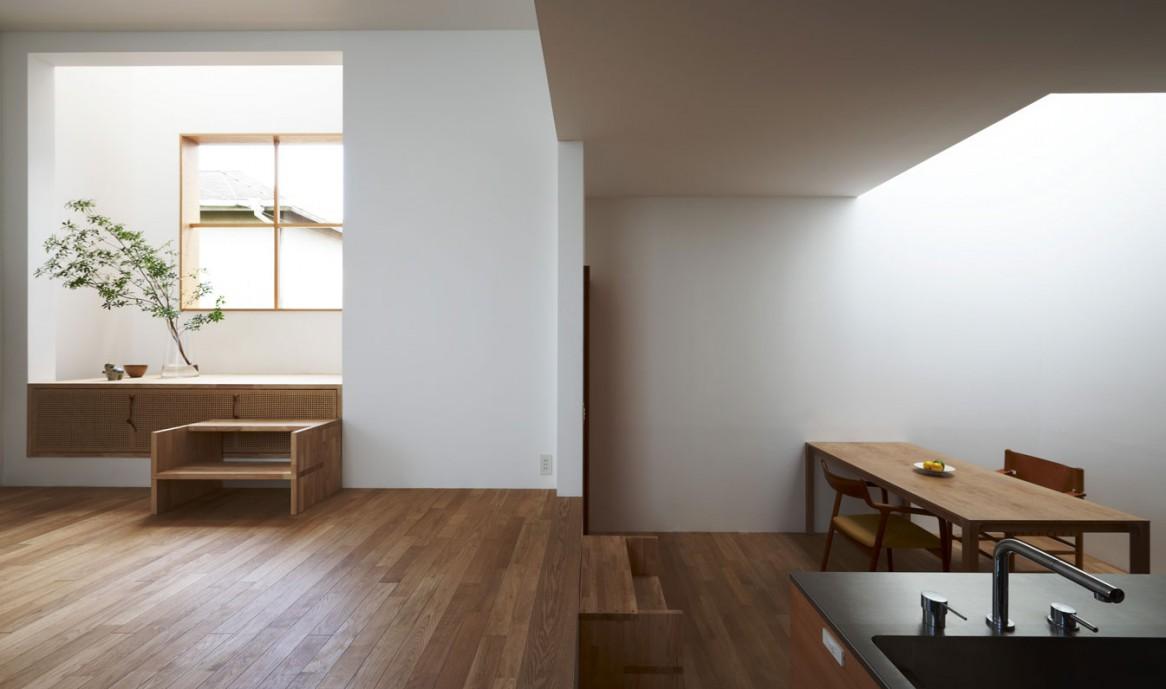 Бело-коричневый интерьер в японском стиле