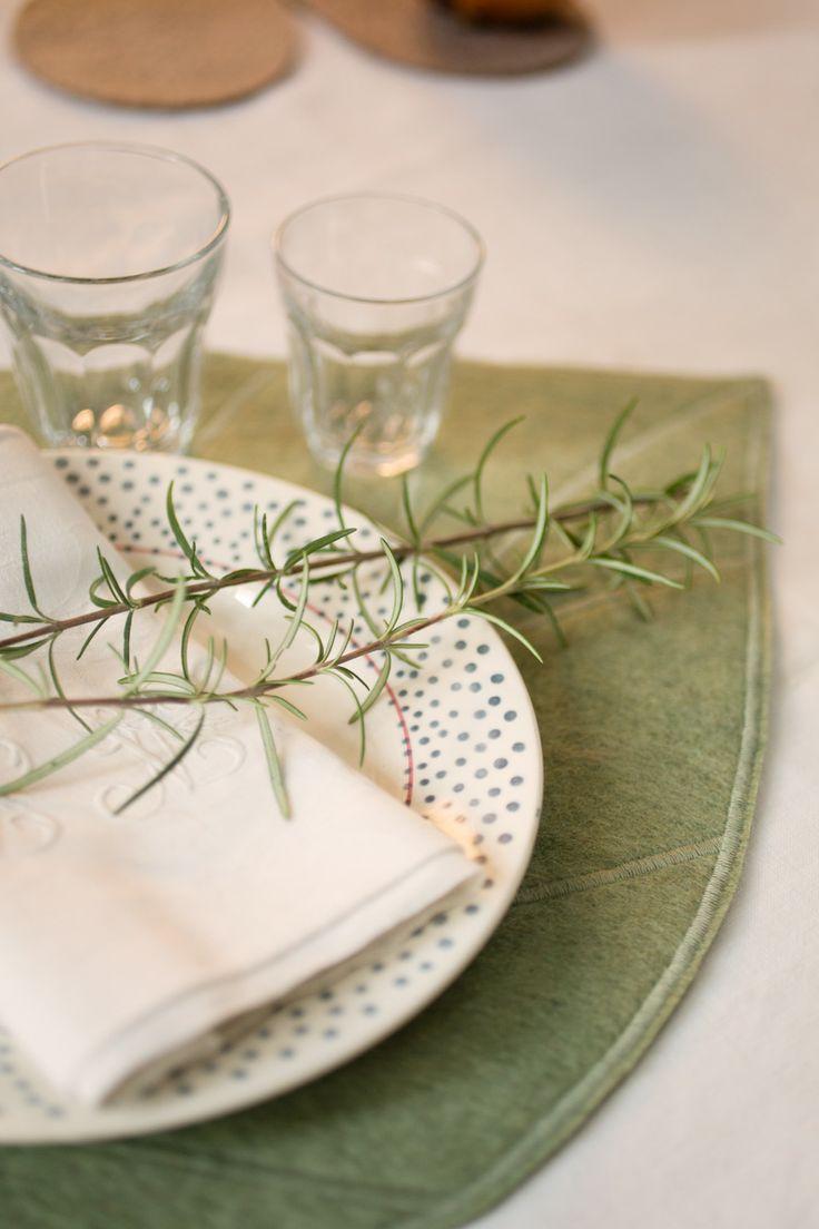 Сервировка стола в зеленом цвете