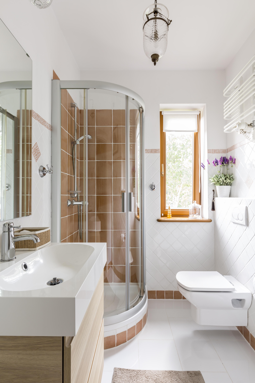 Маленькая ванная с душем
