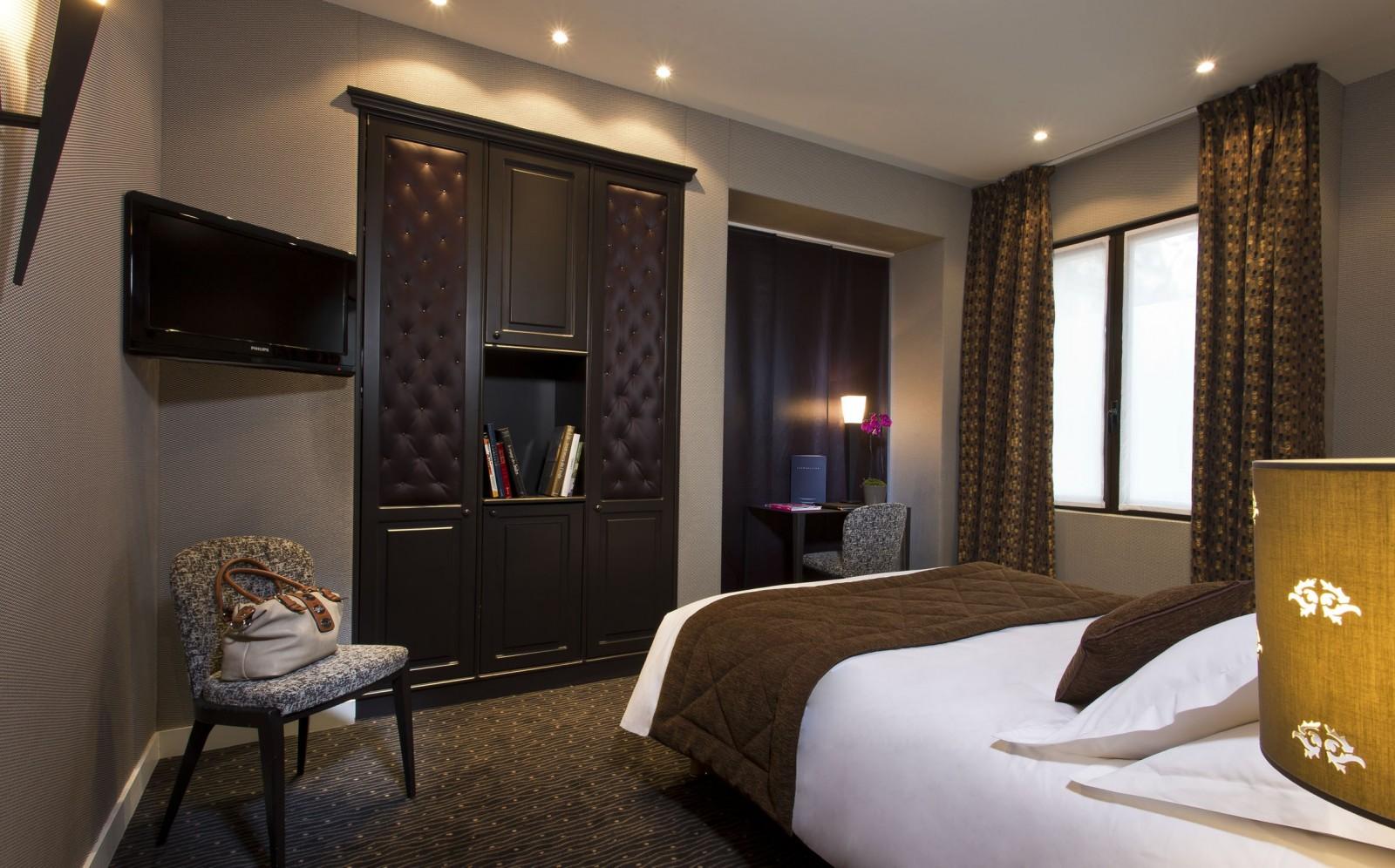 Дизайн спальни 18 кв м в английском стиле