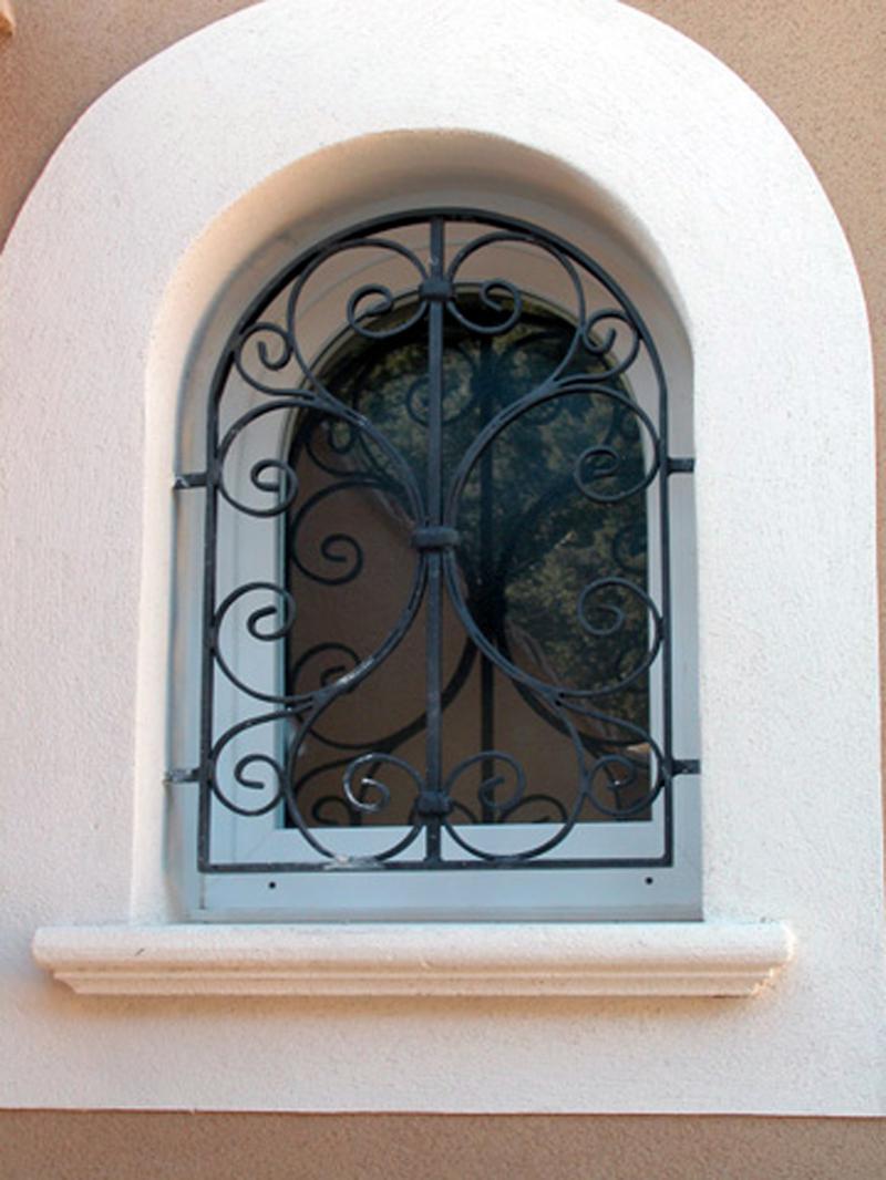 Арочная решетка на окно