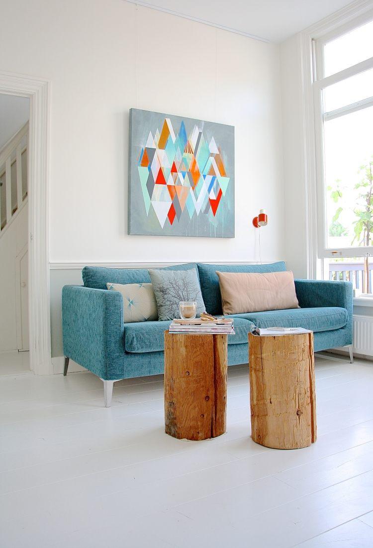 Голубая гостиная с белым цветом