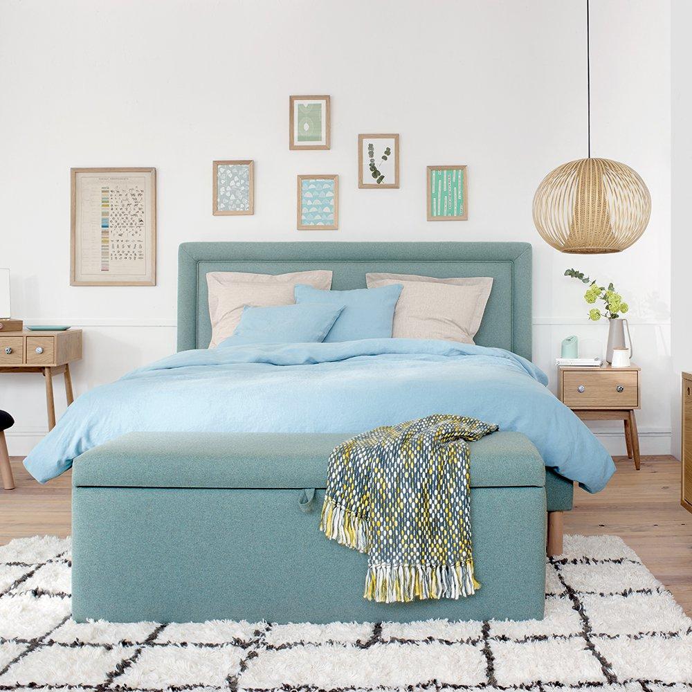 Дизайн спальни 18 кв м с бирюзовой кроватью