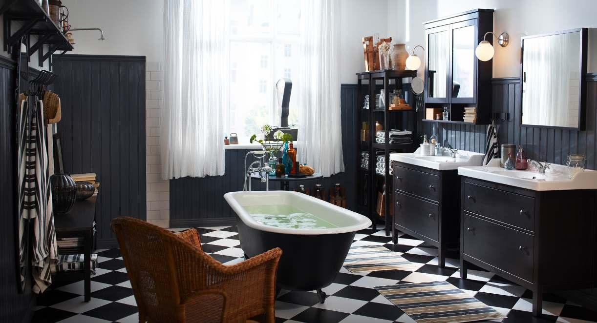 Черно-белая ванная в деревенском стиле