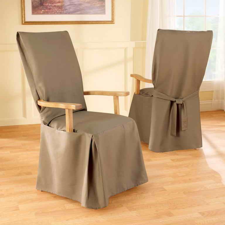 Серые чехлы на обеденные стулья