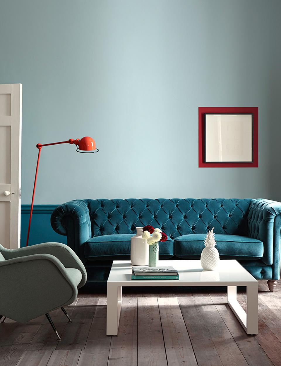 Голубая гостиная с диваном