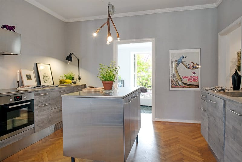 Серо-белая кухня 11 кв м