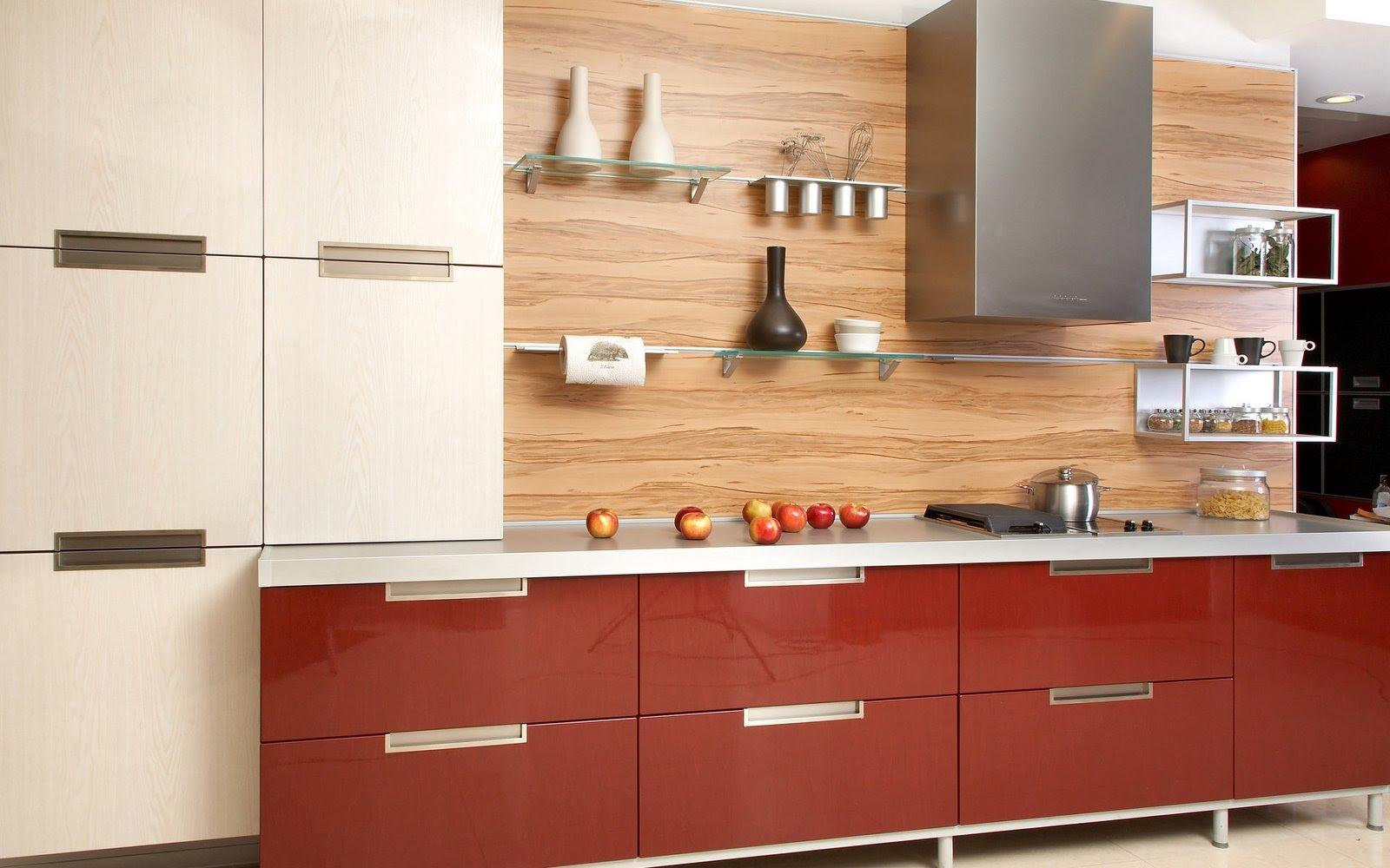 Красно-белый фасад кухни