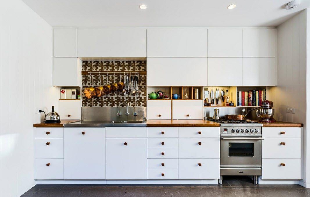 Бело-коричневый кухонный гарнитур