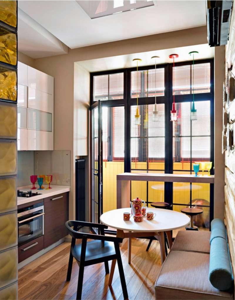 Небольшой кухонный гарнитур в интерьере