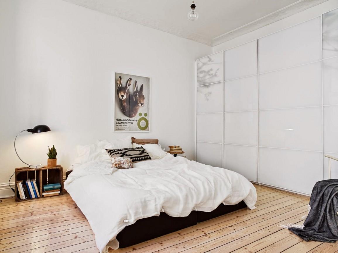 Большой шкаф-купе в спальне