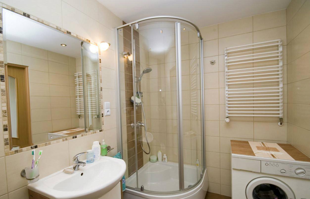 Душевая кабина в дизайне ванной 3 кв м
