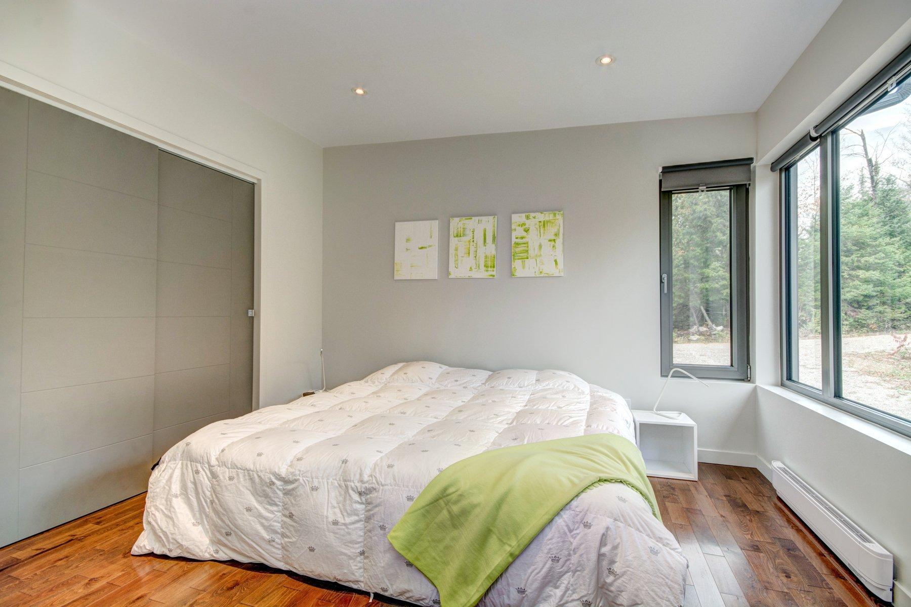 Дизайн спальни 18 кв м в доме