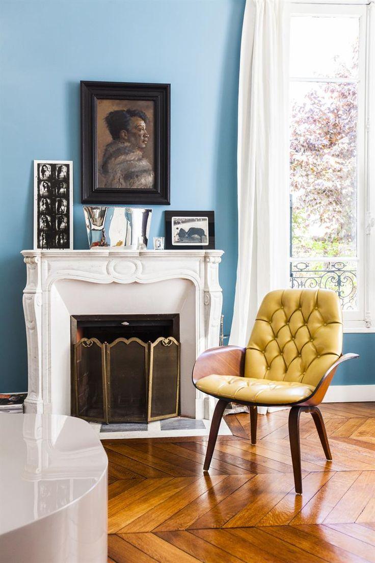 Голубая гостиная в эклектичном стиле