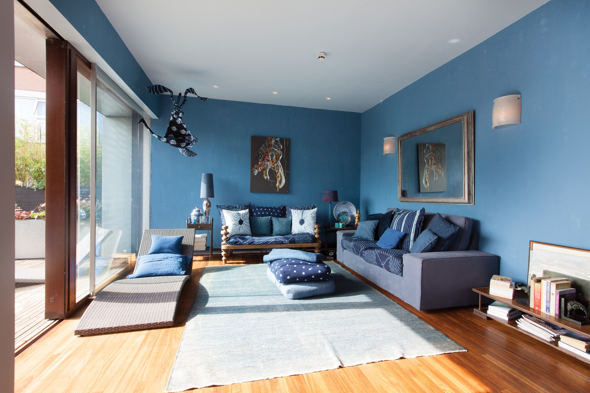 Голубая гостиная в этническом стиле