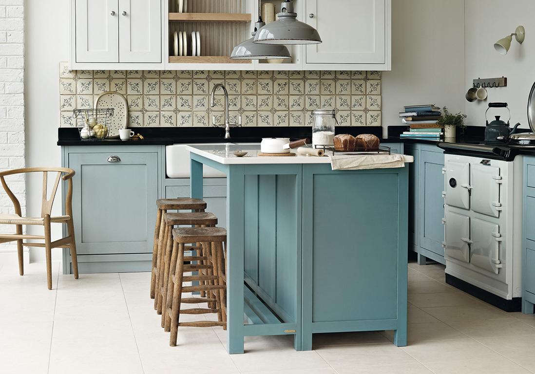 Кухонный гарнитур в голубых тонах