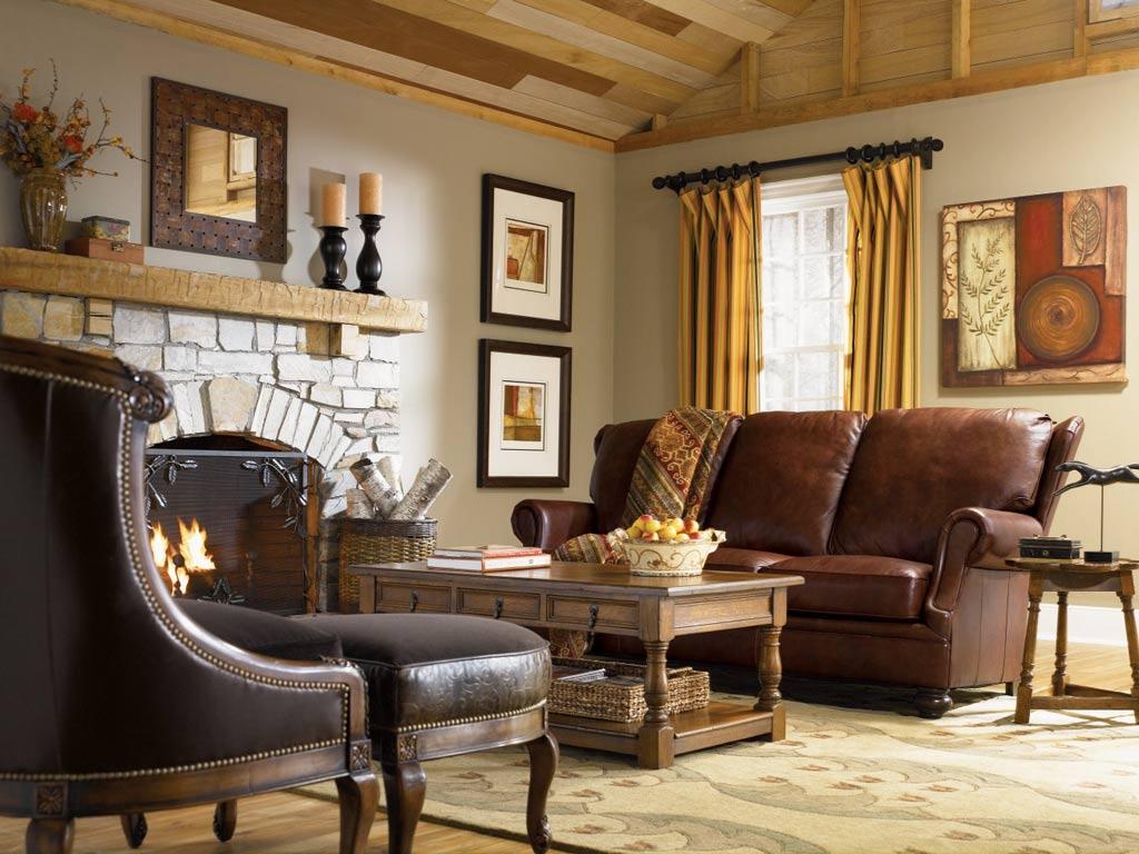 Кожаная мебель в бежевой гостиной