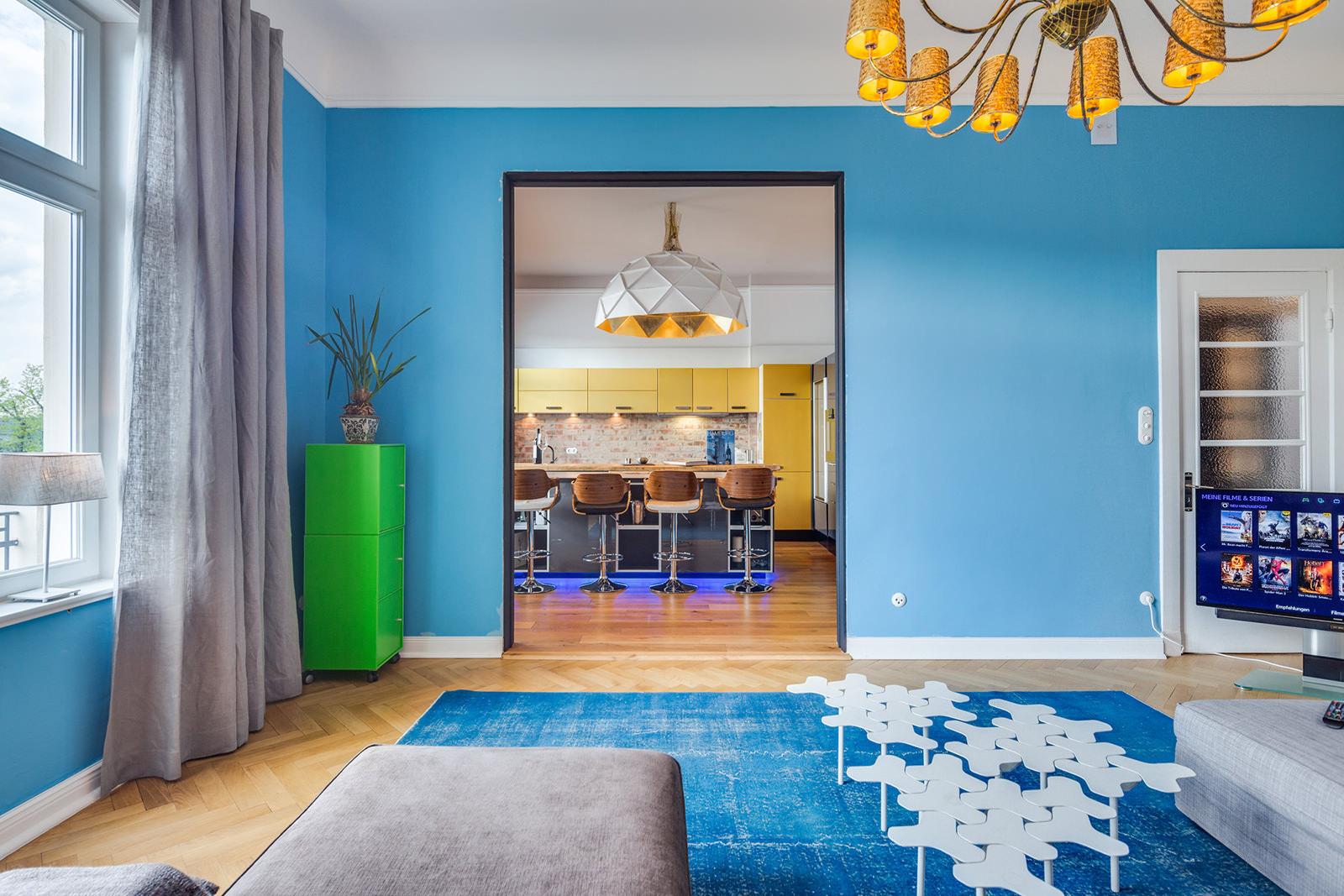 Интерьер голубой гостиной: красивые примеры цветовых сочетаний
