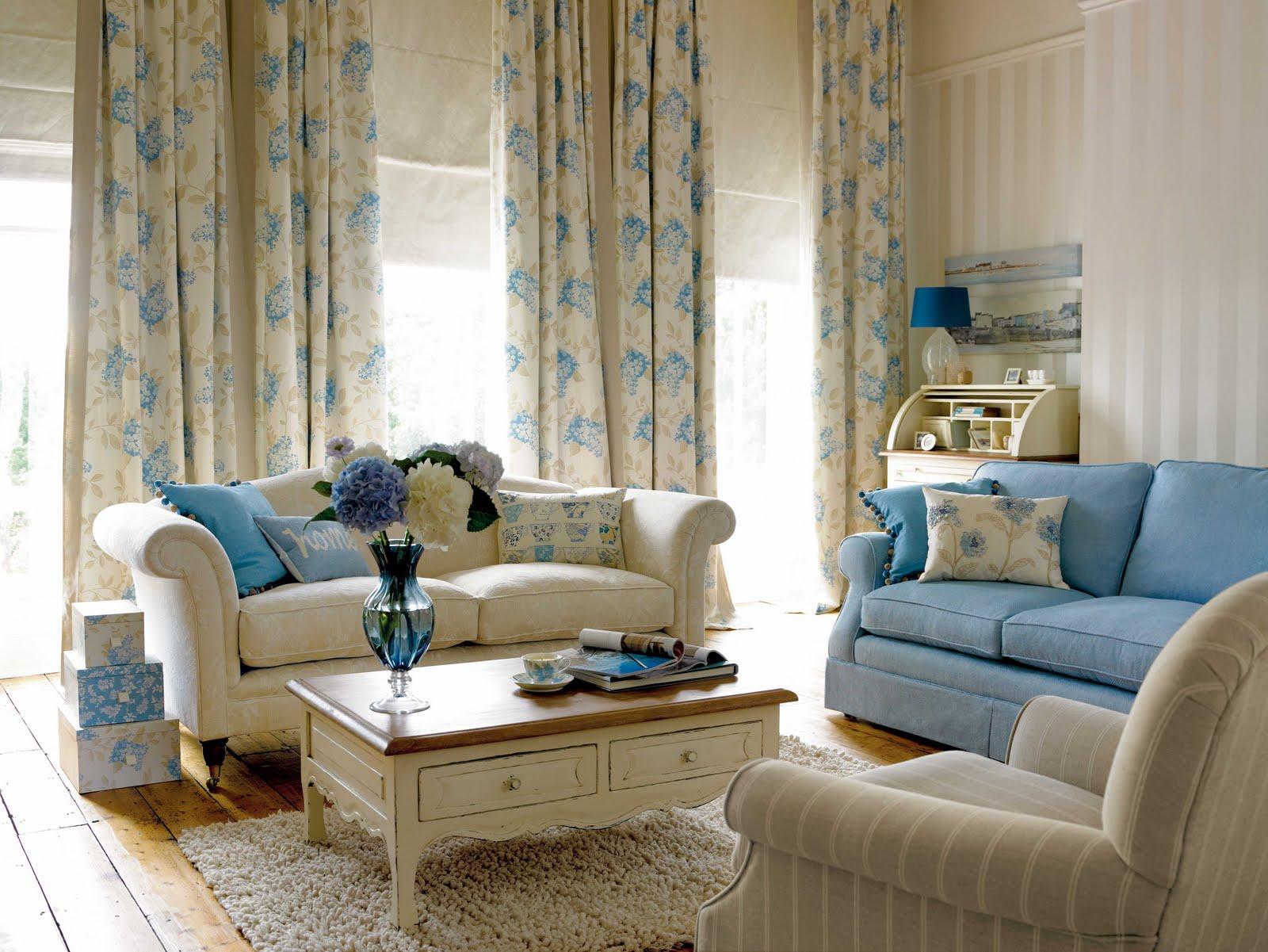 Бежевый и голубой цвета в гостиной