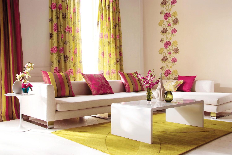 Цветочные принты в гостиной
